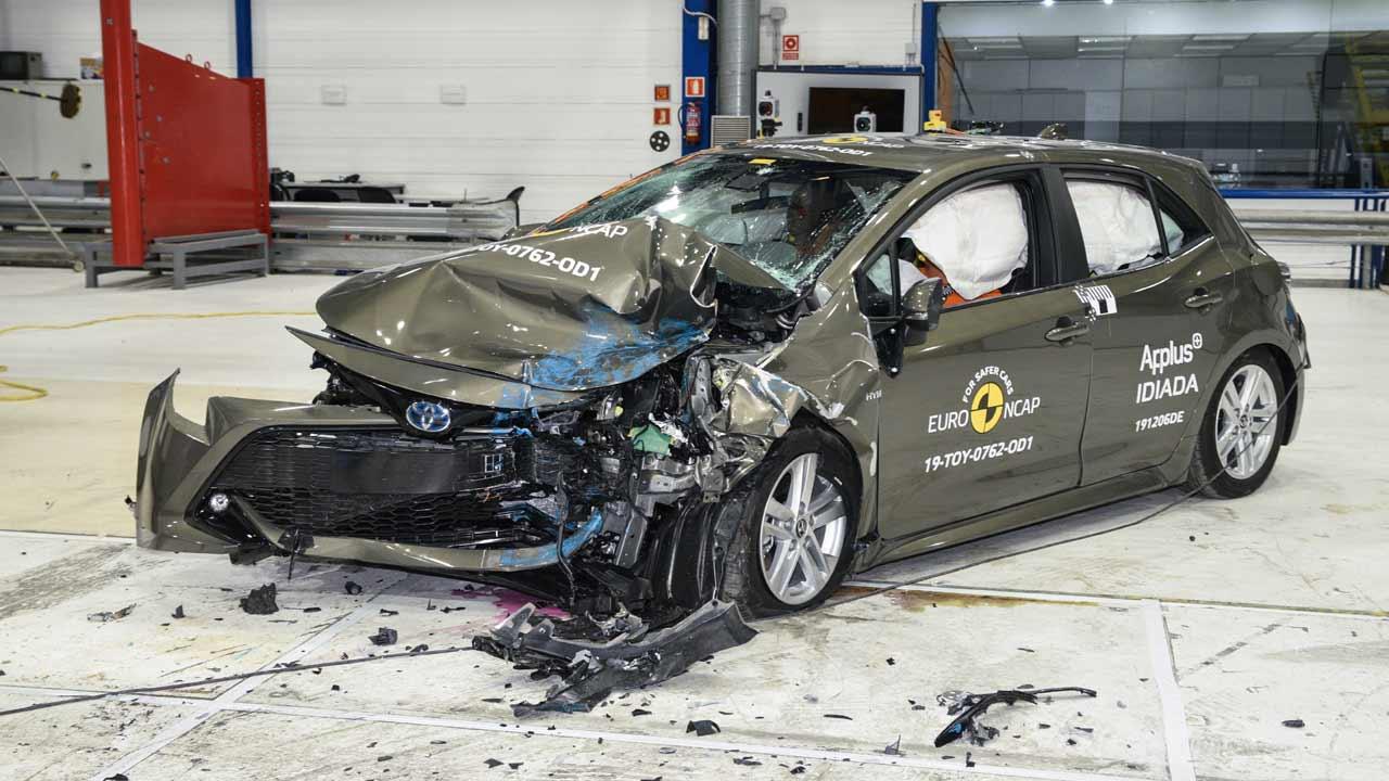 50bae1f504 Crash Test  Πως τα πήγαν Toyota Corolla