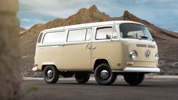 BEV 1972 Volkswagen Type 2 Bus