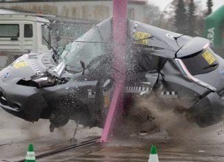 dekra nissan leaf crash test