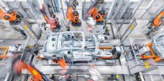 Audi Mercedes κατασκευαστές εργοστάσια κορωνοϊός
