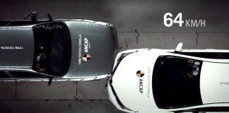 Toyota Corolla crash test Old vs New 2020