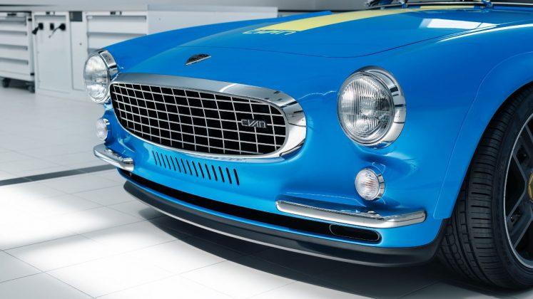 Volvo P1800 Cyan Racing