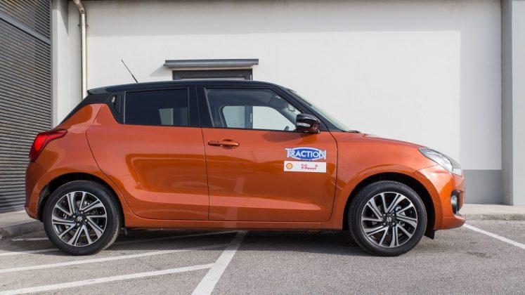 Suzuki Swift Hybrid ανανεωμένο δοκιμή Traction