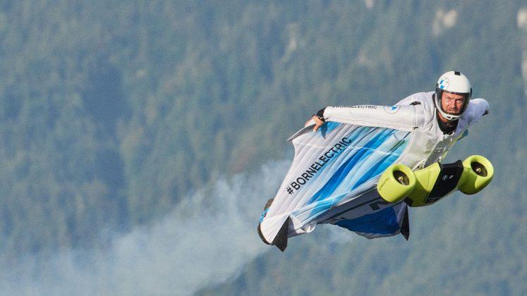 BMW i wingsuit 2021