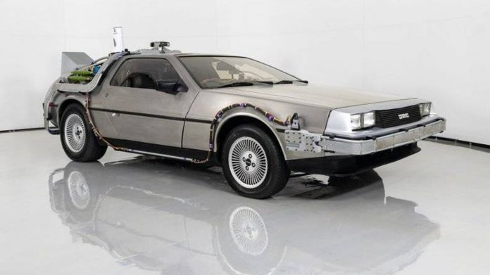 DeLoean DMC-12 Back to the Future replica