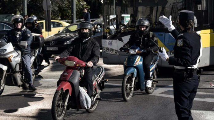 Οδήγηση μοτοσικλέτας με δίπλωμα αυτοκινήτου