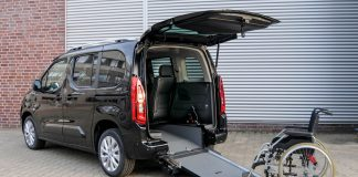 Opel Zafira-e Life συμβατό με αναπηρικά αμαξίδια