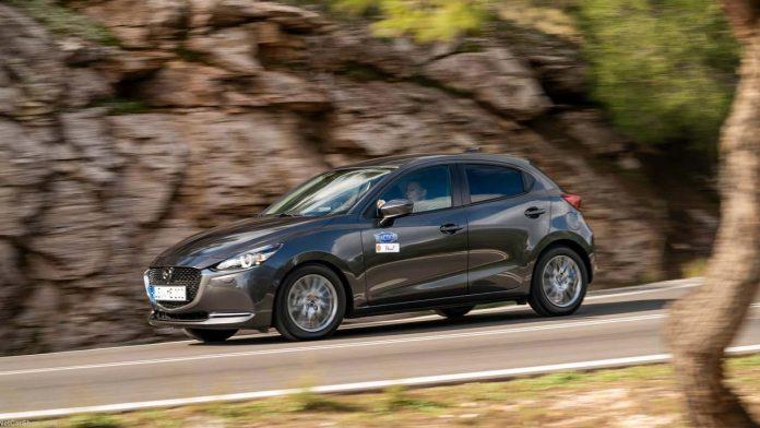 Δοκιμή Mazda2